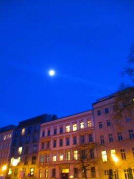 Mond über Mitte
