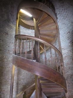 zuerst die Wendeltreppe hoch ...